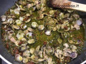paccheri-vongole.5-300x225 Paccheri con Lupini, Pesto e Pomodori Secchi