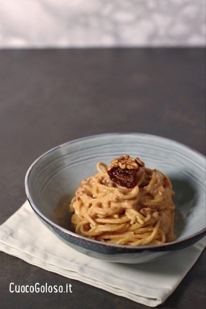 37B9D89A-3584-41A4-AAC0-030F85B98E0E-683x1024 Spaghetti con pesto di Noci e Pomodori Secchi