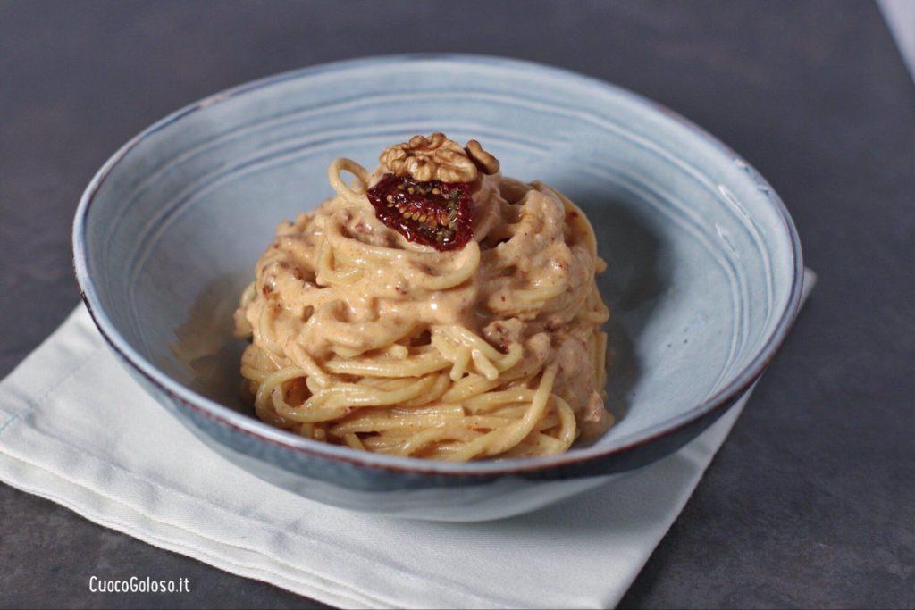 A85ADA0C-FB31-4746-AB13-BD9675B50BBF-1024x683 Spaghetti con pesto di Noci e Pomodori Secchi