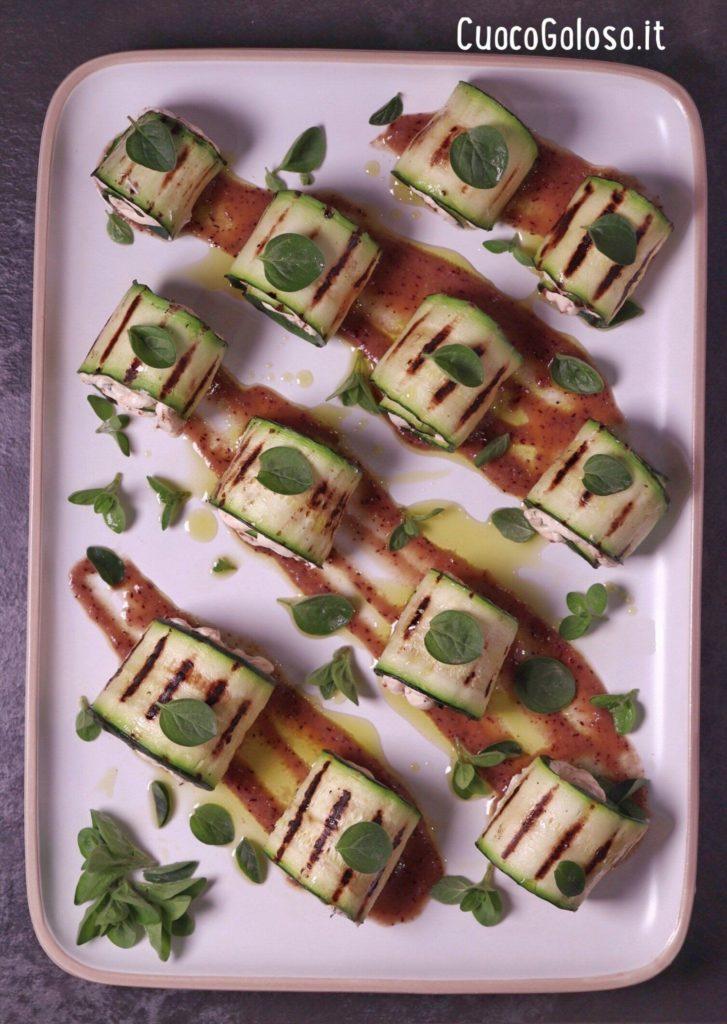 EC2E01D8-C546-41FD-B7E6-0B6F291C495A-727x1024 Involtini di Zucchine con Robiola, Pomodori Secci e Origano Fresco con Salsa ai Mirtilli