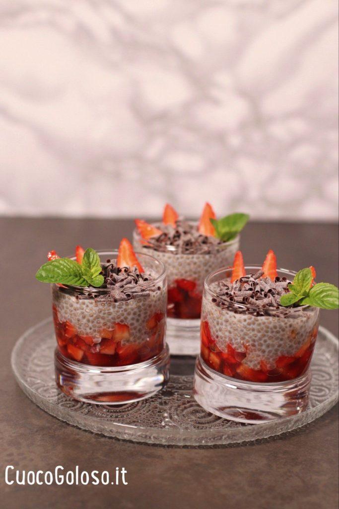 41C2B013-49DF-4848-B716-2DB97DD0E134-683x1024 Chia Pudding con Fragole e Riccioli di Cioccolato