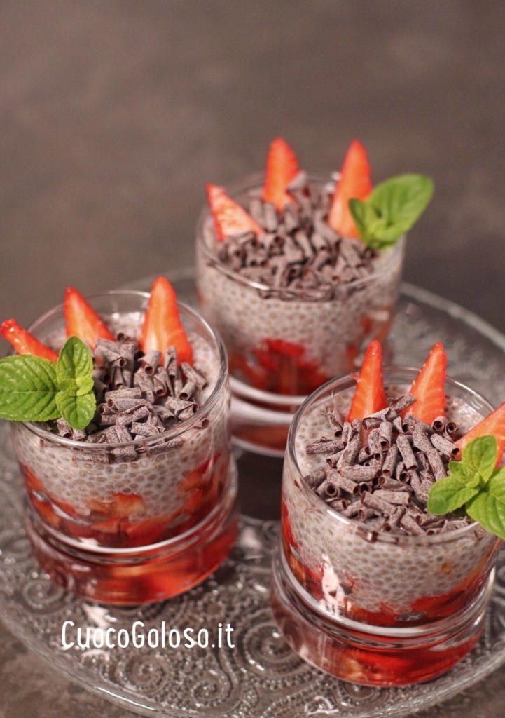 F024BD44-92D5-4787-BD9A-20F627F71F3C-721x1024 Chia Pudding con Fragole e Riccioli di Cioccolato