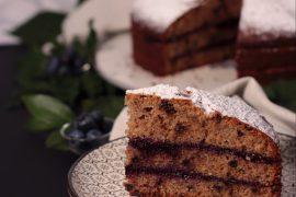 Torta con Grano Saraceno, Cioccolato, Nocciole e Confettura di Mirtilli