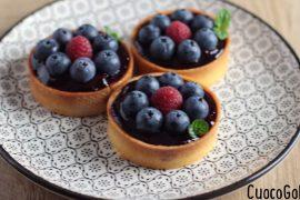 Crostatine con Crema al Formaggio e Frutti di Bosco