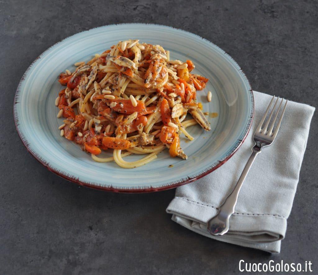IMG_3170-1024x884 Spaghetti Quadrati con Alici Fresche, Pomodorini Gialli e Pinoli