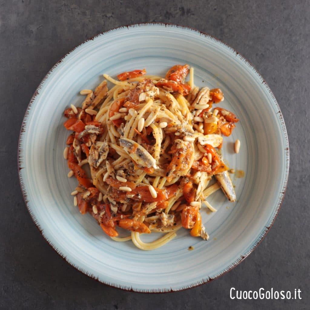 IMG_3172-1024x1024 Spaghetti Quadrati con Alici Fresche, Pomodorini Gialli e Pinoli