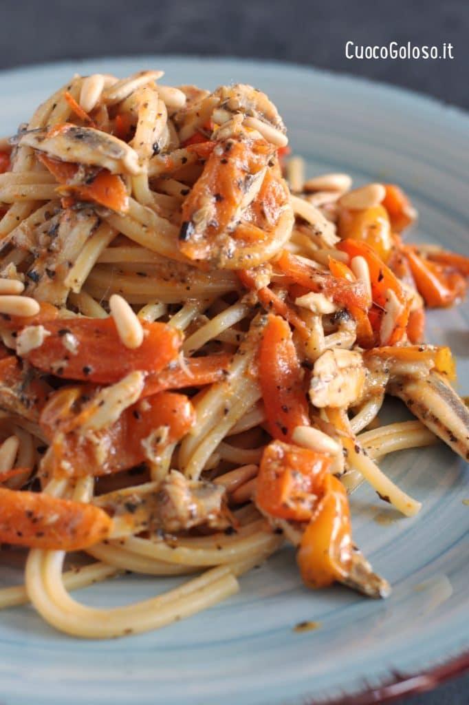 IMG_3174-682x1024 Spaghetti Quadrati con Alici Fresche, Pomodorini Gialli e Pinoli
