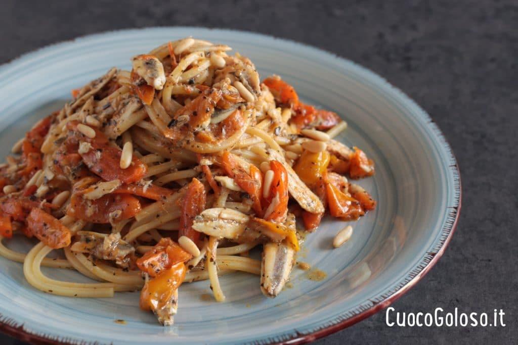 IMG_3176-1024x683 Spaghetti Quadrati con Alici Fresche, Pomodorini Gialli e Pinoli