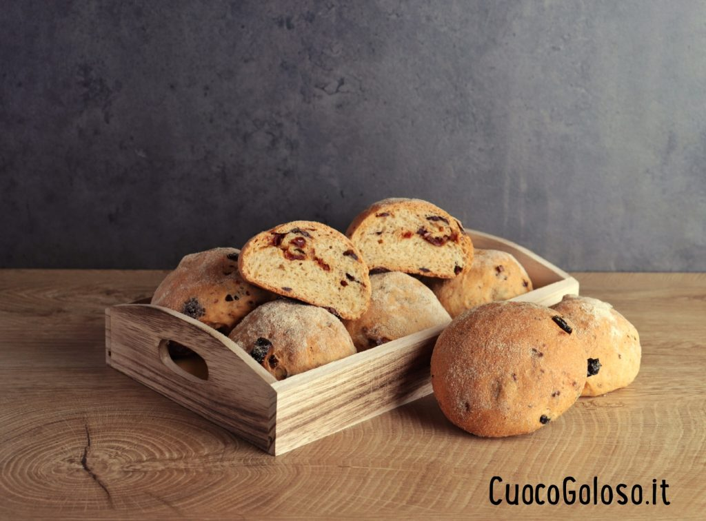 IMG_3214-1024x756 Pucce con Pomodori Secchi e Olive Taggiasche