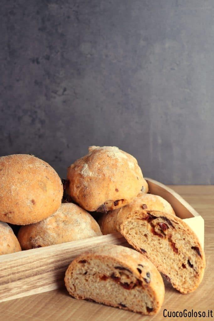 IMG_3215-682x1024 Pucce con Pomodori Secchi e Olive Taggiasche