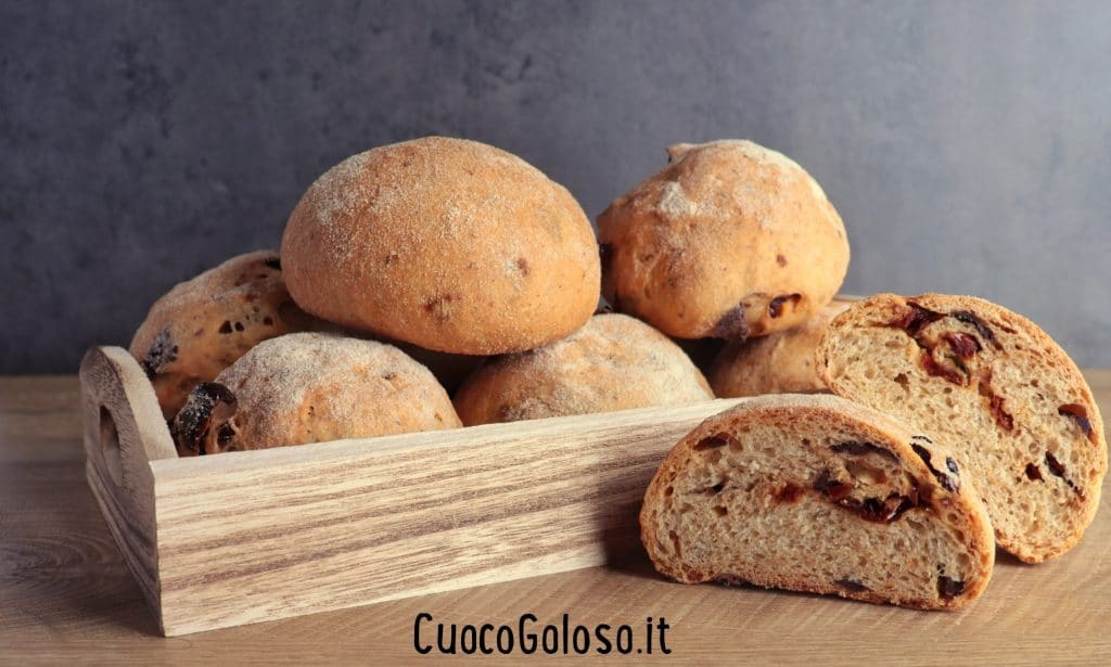 IMG_3216-1024x615 Pucce con Pomodori Secchi e Olive Taggiasche