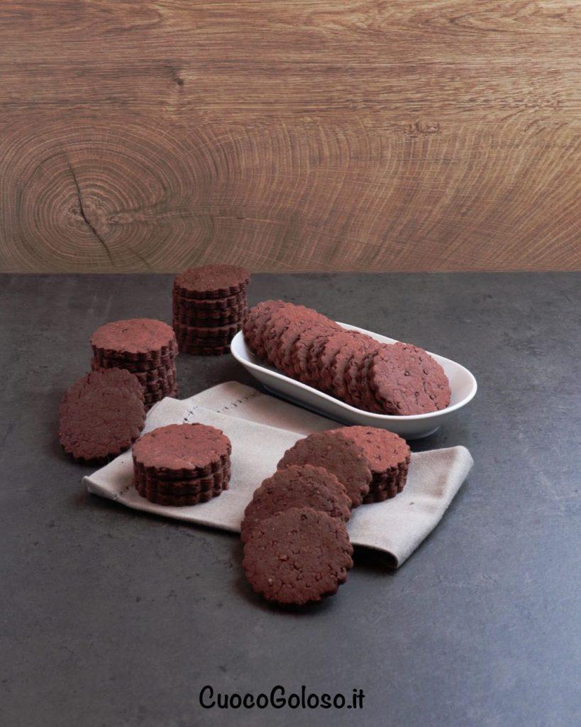 IMG_1782-819x1024 Biscotti al Cacao con Granella caramellata di Fave di Cacao