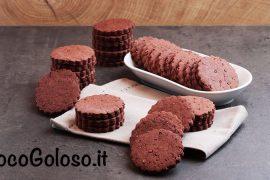 Biscotti al Cacao con Granella caramellata di Fave di Cacao