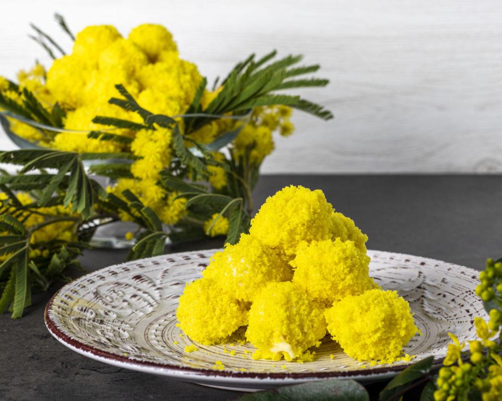 IMG_2055-scaled-1024x819 Tartufini Mimosa al Cioccolato Bianco con Cuore di Nocciola