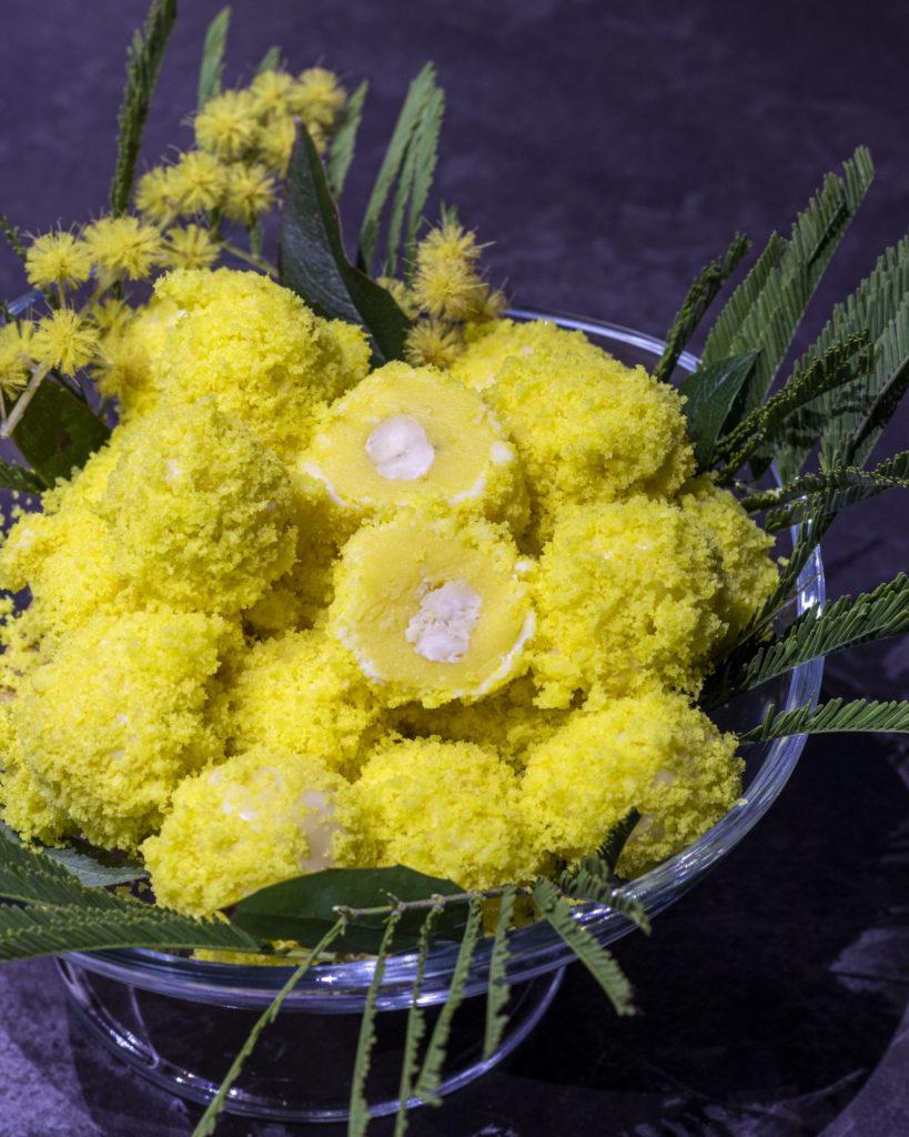IMG_2076-scaled-819x1024 Tartufini Mimosa al Cioccolato Bianco con Cuore di Nocciola