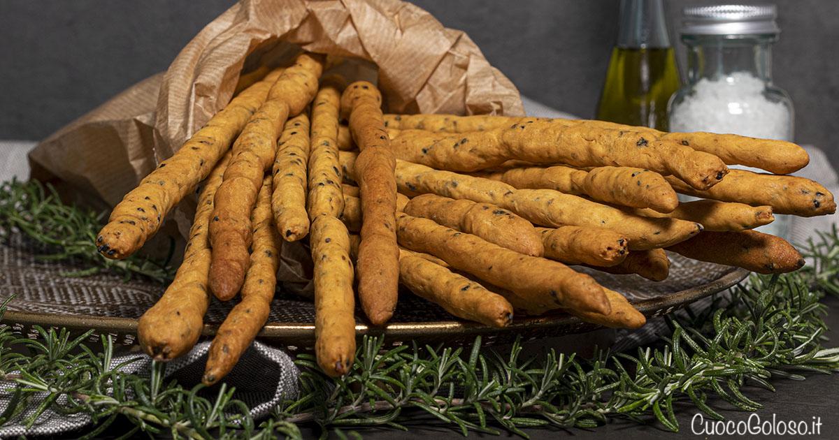 Grissini Croccantissimi con Semi di Zucca, Sesamo Nero e Paprika Affumicata