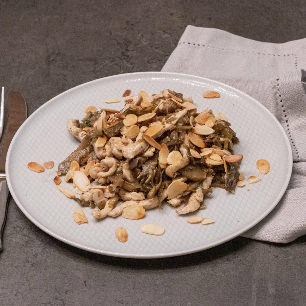 IMG_5104-1024x1024 Straccetti di Petto di Pollo con Carciofi Stufati e Mandorle