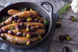 Salsicce con olive fresche